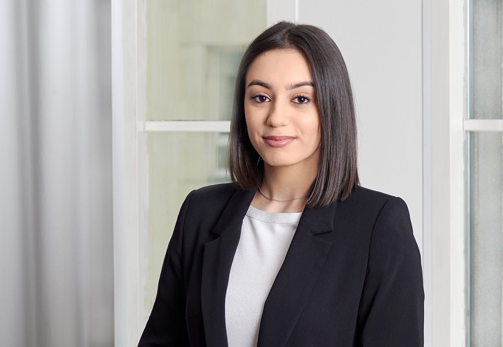 Marjama Bagdasarjana, Jurista palīdze